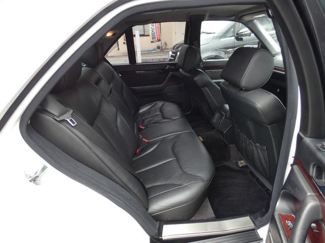 S320 最終型 5AT ブラックレザーシート 社外18AW 右ハンドル ETC クルーズコントロール 電動格納ミラー ウッドパネル 電動チルト本革巻ステアリング下取車 正規ディーラー車(19枚目)