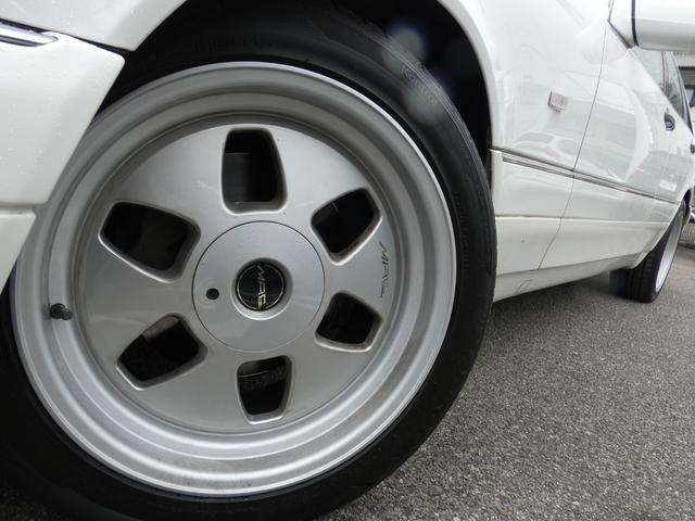 S320 最終型 5AT ブラックレザーシート 社外18AW 右ハンドル ETC クルーズコントロール 電動格納ミラー ウッドパネル 電動チルト本革巻ステアリング下取車 正規ディーラー車(43枚目)