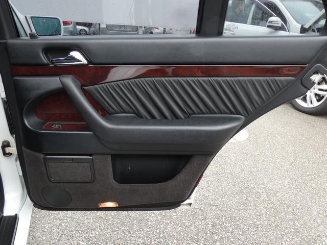 S320 最終型 5AT ブラックレザーシート 社外18AW 右ハンドル ETC クルーズコントロール 電動格納ミラー ウッドパネル 電動チルト本革巻ステアリング下取車 正規ディーラー車(47枚目)