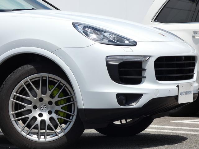 S E-ハイブリッド プラチナエディション プラグインハイブリッド ホワイト 黒半革 PASMエアマティックサスペンション ポルシェエントリー&ドライブシステム 専用20AW PDLSバイキセノンヘッドライト右ハンドル 正規ディーラー車(6枚目)