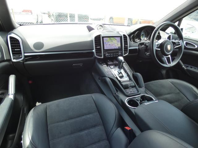 S E-ハイブリッド プラチナエディション プラグインハイブリッド ホワイト 黒半革 PASMエアマティックサスペンション ポルシェエントリー&ドライブシステム 専用20AW PDLSバイキセノンヘッドライト右ハンドル 正規ディーラー車(8枚目)