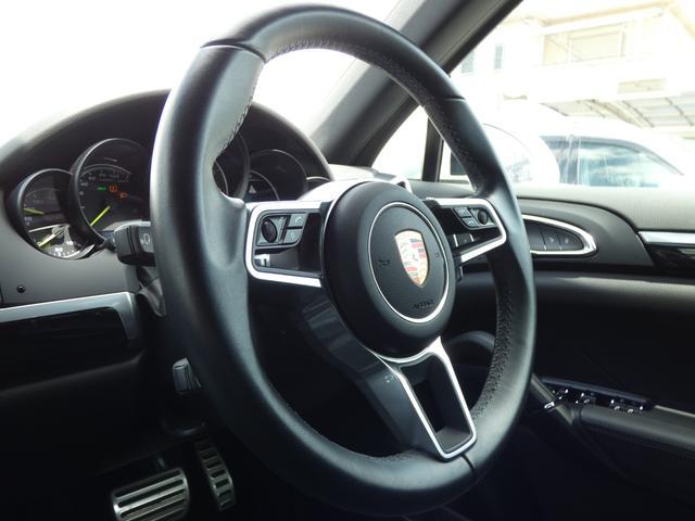 S E-ハイブリッド プラチナエディション プラグインハイブリッド ホワイト 黒半革 PASMエアマティックサスペンション ポルシェエントリー&ドライブシステム 専用20AW PDLSバイキセノンヘッドライト右ハンドル 正規ディーラー車(9枚目)