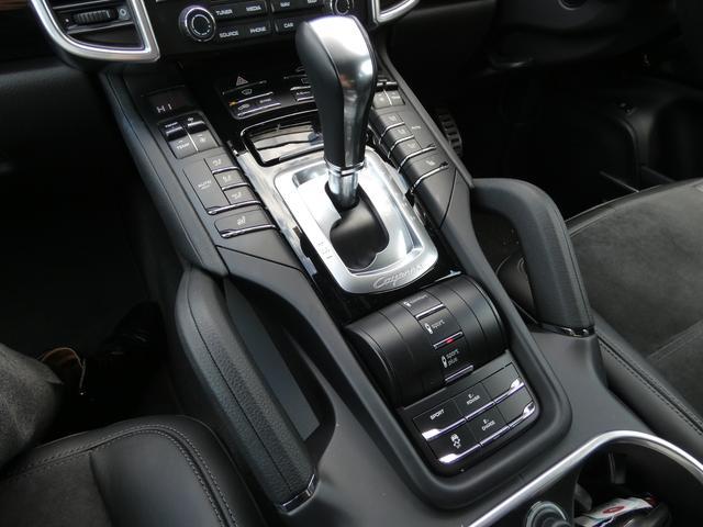 S E-ハイブリッド プラチナエディション プラグインハイブリッド ホワイト 黒半革 PASMエアマティックサスペンション ポルシェエントリー&ドライブシステム 専用20AW PDLSバイキセノンヘッドライト右ハンドル 正規ディーラー車(12枚目)
