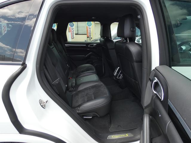 S E-ハイブリッド プラチナエディション プラグインハイブリッド ホワイト 黒半革 PASMエアマティックサスペンション ポルシェエントリー&ドライブシステム 専用20AW PDLSバイキセノンヘッドライト右ハンドル 正規ディーラー車(19枚目)