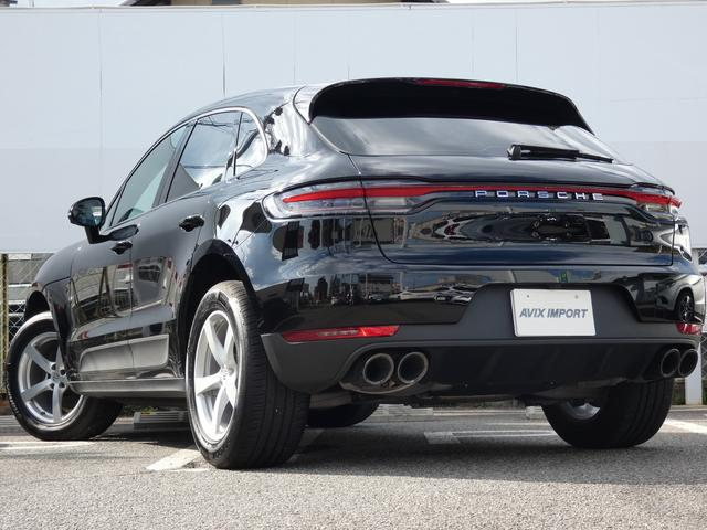 マカン 現行型 スポーツクロノPKG ブラックアルカンターラハーフレザーシート エントリーD LEDヘッドライト PCMナビ 360°カメラ シートヒーター パワーシート 18AW 禁煙 正規ディーラー車(3枚目)