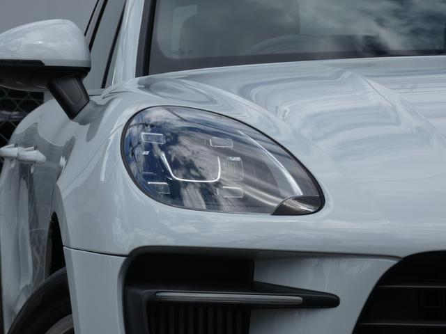 マカン ターボ エアサス スポーツクロノPKG LEDヘッドライト 赤革 全席シートヒーター ベンチレーション ACC エントリーD PCMナビ・地デジ・360カメラ BOSE 純正19AW ワンオーナー 正規D車(4枚目)