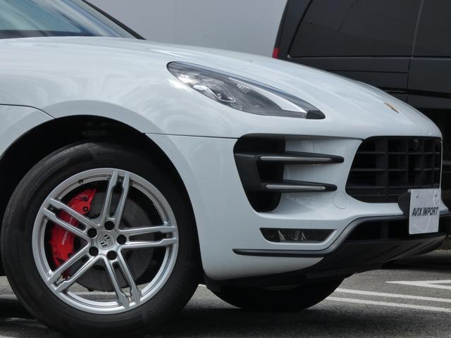 マカン ターボ エアサス スポーツクロノPKG LEDヘッドライト 赤革 全席シートヒーター ベンチレーション ACC エントリーD PCMナビ・地デジ・360カメラ BOSE 純正19AW ワンオーナー 正規D車(5枚目)