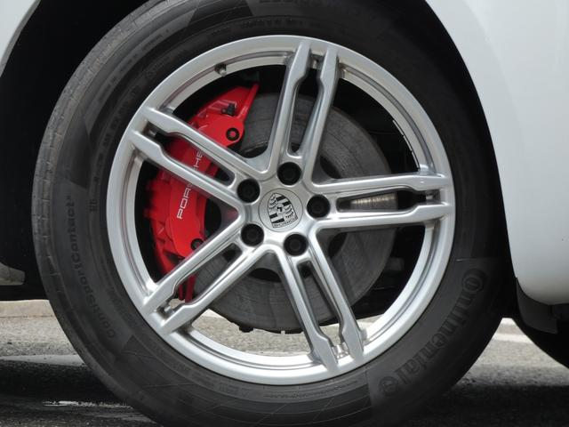 マカン ターボ エアサス スポーツクロノPKG LEDヘッドライト 赤革 全席シートヒーター ベンチレーション ACC エントリーD PCMナビ・地デジ・360カメラ BOSE 純正19AW ワンオーナー 正規D車(6枚目)
