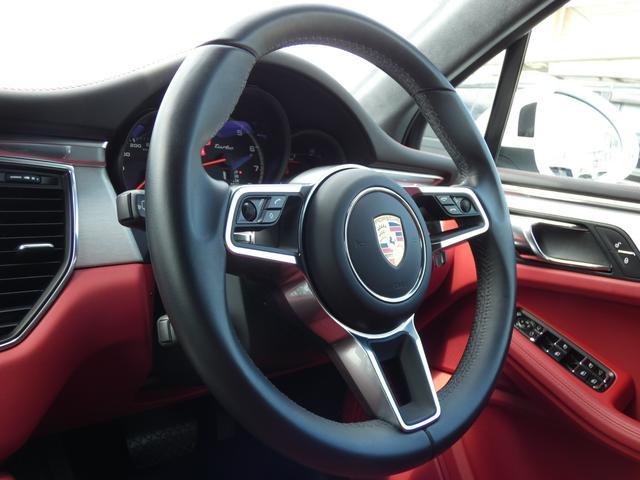 マカン ターボ エアサス スポーツクロノPKG LEDヘッドライト 赤革 全席シートヒーター ベンチレーション ACC エントリーD PCMナビ・地デジ・360カメラ BOSE 純正19AW ワンオーナー 正規D車(8枚目)