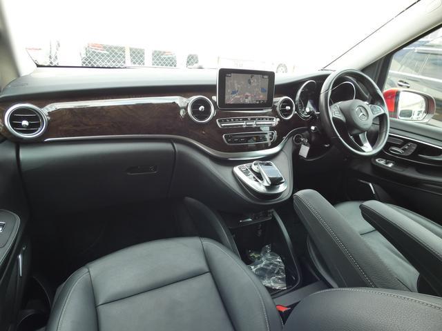 V220d アバンギャルド ロング レザーPKG 黒レザー レーダーセーフティPKG 7人乗 LEDライト 両側電動スライドドア 純正HDDナビ 地デジ 360°カメラ FDモニター 禁煙  正規ディーラー車(8枚目)