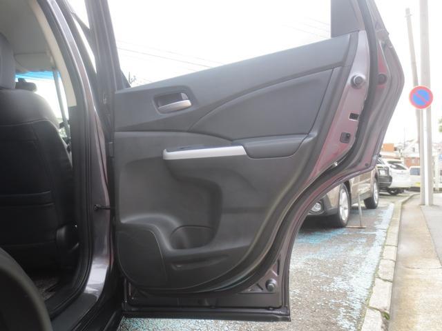 運転席側、後ろのドアです。