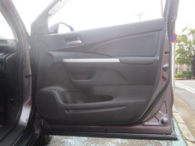 運転席側、前のドアです。