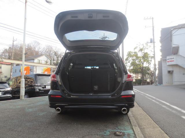 1オーナー様の禁煙車両は東京都内で御使用歴のお車で、ステアリングは自分に合った姿勢で運転できる様に上・下、手前・奥に調節できます。