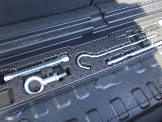 RSZ特別仕様車 HDDナビエディション 7人乗り 純正ナビ後カメラ ドライブレコーダー ETC オートエアコン グレード専用純正17インチホイール 革巻きステアリング 立体駐車場対応(17枚目)