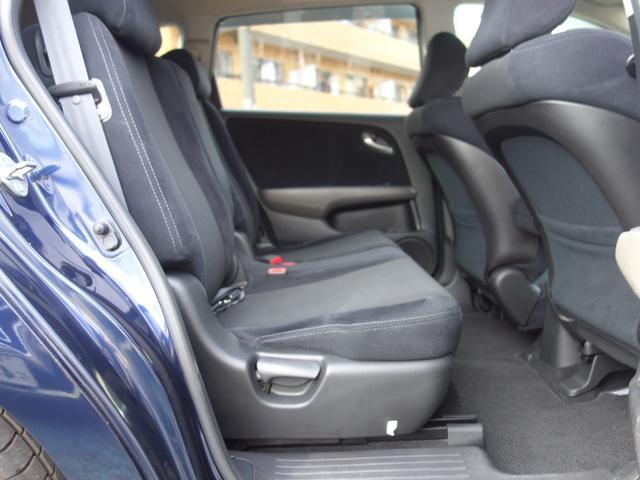 RSZ特別仕様車 HDDナビエディション 7人乗り 純正ナビ後カメラ ドライブレコーダー ETC オートエアコン グレード専用純正17インチホイール 革巻きステアリング 立体駐車場対応(41枚目)