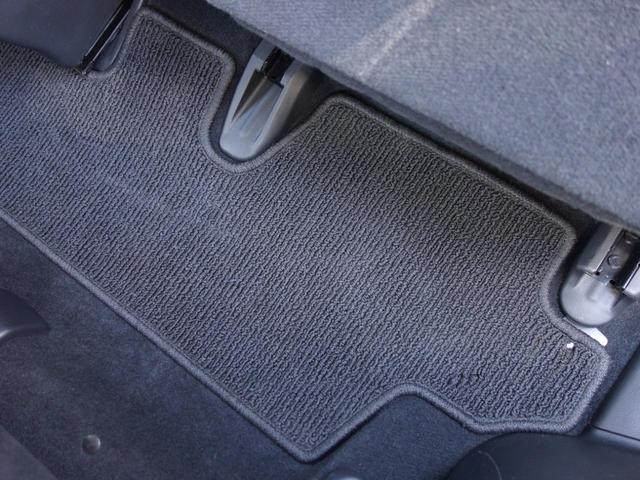 RSZ特別仕様車 HDDナビエディション 7人乗り 純正ナビ後カメラ ドライブレコーダー ETC オートエアコン グレード専用純正17インチホイール 革巻きステアリング 立体駐車場対応(67枚目)