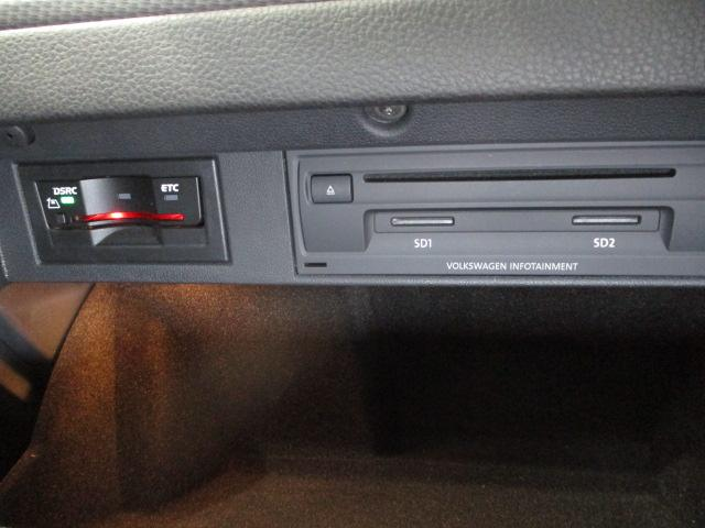 グローブBOX内にビルトインタイプETC(DSRC)、DVD/CDプレーヤー、SDスロットを装備!!