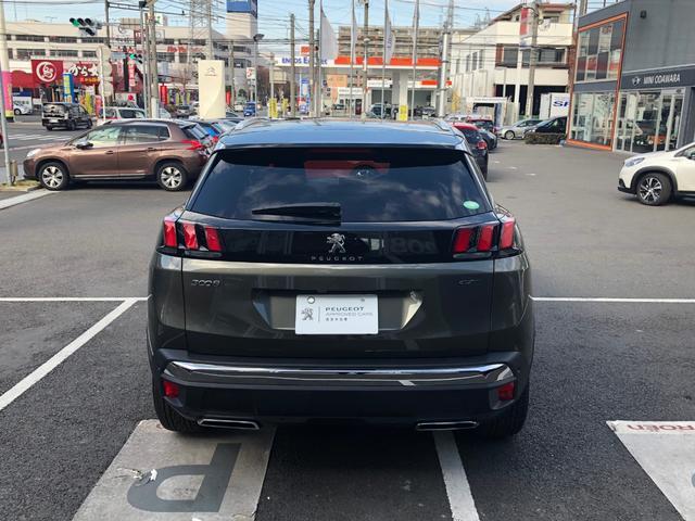 GT ファーストクラスPKGレザー 登録済未使用車 新車保証(3枚目)