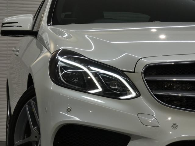 綺麗なオプションカラーのダイヤモンドホワイト&純正オプションパノラマルーフ!! 安心の右ハンドル&正規ディーラー車!! 取説・記録簿付 事故暦ありません 内装の使用感はとても少なく