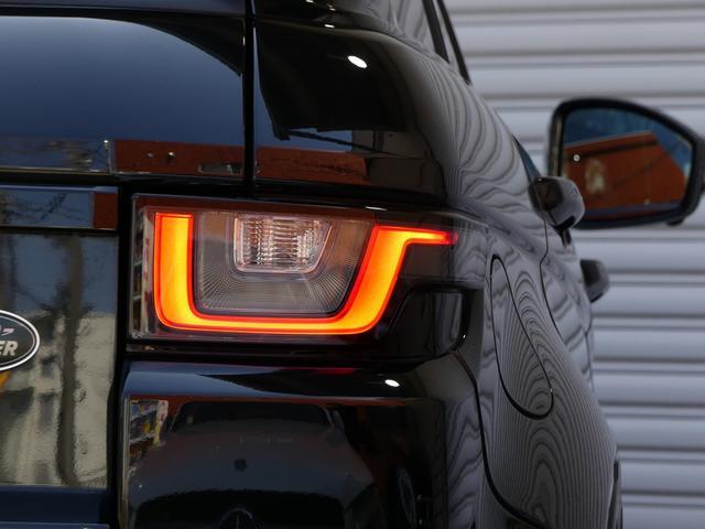 SUV特有の使用感はとても少なく室内はお洒落なブラック/タンレザーシートに快適なシートヒーターや必須オプションのパノラミックグラスルーフ付!!