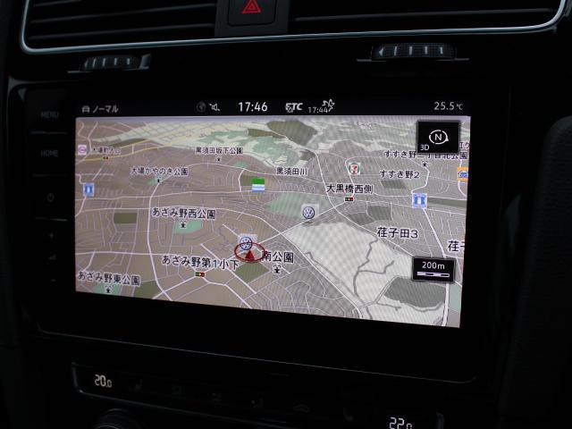純正ナビ Discover Pro を装備、CD、ラジオのほかSDカード、USB、Bluetoothも対応しています。 地デジチューナーも搭載。