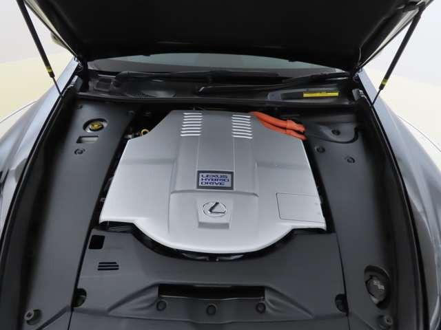 LS600h Fスポーツ U-car ハイブリッド 4WD 本革 プリクラ パワートランクリッド/ムーンルーフ/寒冷地仕様/VGRS/FSPORT専用エアサスオートワイパー/オートライト/自動防眩インナーミラー(16枚目)
