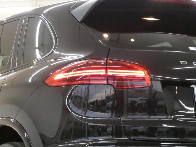 プラチナエディション スポーツクロノPKG アルカンターラブラックハーフレザー エントリードライブ PCMナビ バックカメラ RSスパイダー20AW PDLSインナーブラックバイキセノンヘッドライト 限定 正規ディーラー車(5枚目)