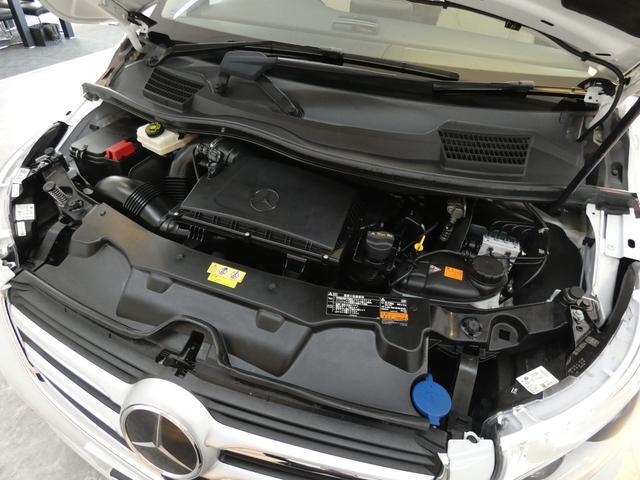 ディストロニックプラス 電動格納ミラー 本革巻マルチファンクションステアリング ブラウンウッド調パネル DOHC直列4気筒ディーゼルターボ