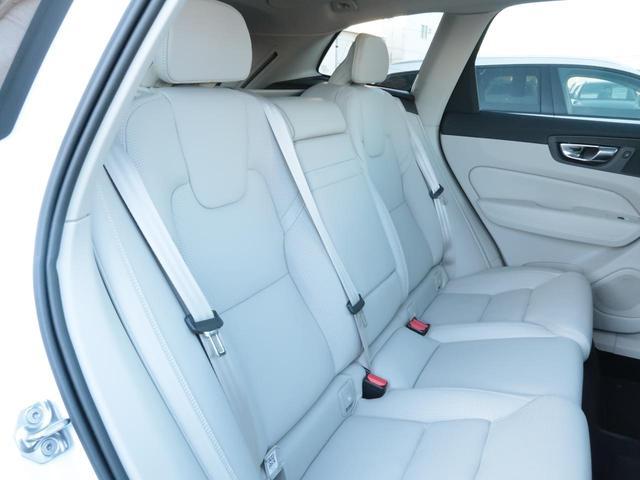 D4 AWD インスクリプション インテリセーフ 白革 360度ビューカメラ マッサージ機能付きパワーシート リアシートヒーター ドライブモード選択 パイロットアシスト 9インチタッチ画面(11枚目)