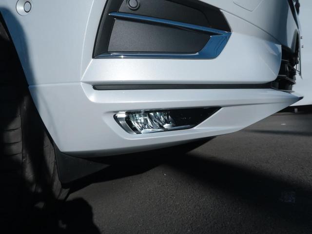 D4 AWD インスクリプション インテリセーフ 白革 360度ビューカメラ マッサージ機能付きパワーシート リアシートヒーター ドライブモード選択 パイロットアシスト 9インチタッチ画面(28枚目)