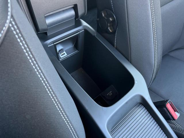T3 モメンタム 認定中古車 禁煙車 インテリセーフ ハーフレザーシート 純正HDDナビTV バックカメラ メモリ機能付きパワーシート パドルシフト LEDヘッドライト ETC2.0 純正17インチAW BLIS(28枚目)