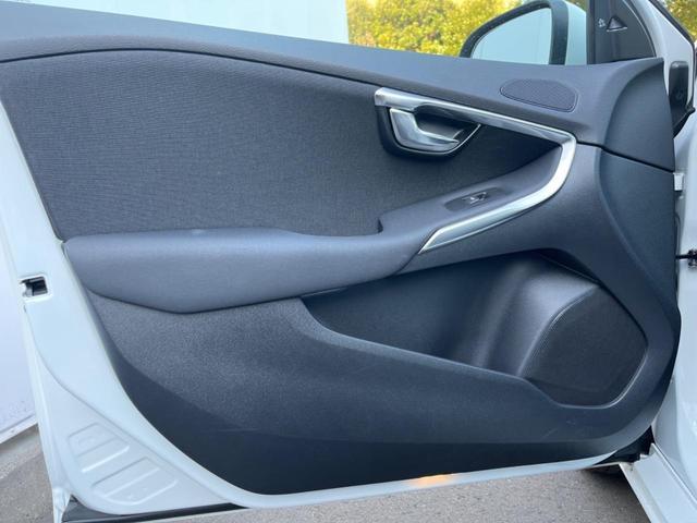 T3 モメンタム 認定中古車 禁煙車 インテリセーフ ハーフレザーシート 純正HDDナビTV バックカメラ メモリ機能付きパワーシート パドルシフト LEDヘッドライト ETC2.0 純正17インチAW BLIS(35枚目)