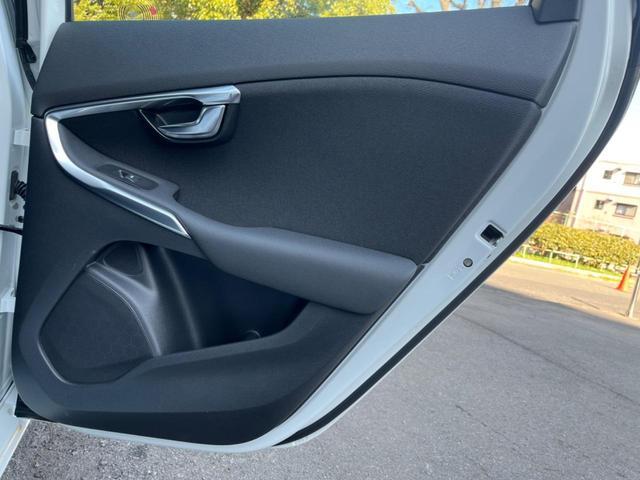 T3 モメンタム 認定中古車 禁煙車 インテリセーフ ハーフレザーシート 純正HDDナビTV バックカメラ メモリ機能付きパワーシート パドルシフト LEDヘッドライト ETC2.0 純正17インチAW BLIS(36枚目)