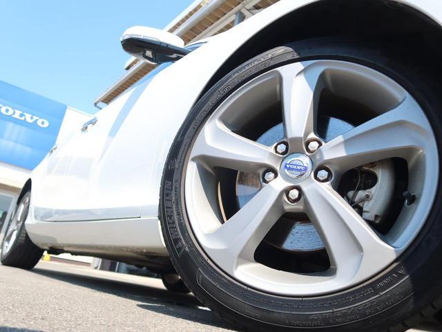 T4 SE ワンオーナー 禁煙車 黒本革シート 純正HDDナビTV バックカメラ 衝突被害軽減装置 シートヒーター メモリ機能付パワーシート アダプティブクルーズコントロール 純正17AW HIDヘッドライト(16枚目)