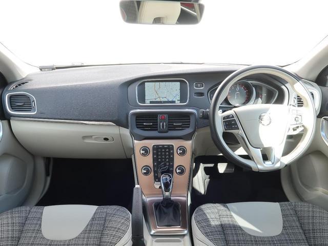 クロスカントリー T5 AWD モメンタム 認定中古車 ワンオーナー 禁煙車 純正HDDナビTV バックカメラ シティウィーブシート アダプティブクルーズコントロール インテリセーフ LEDヘッドライト パワーシート 純正18インチAW(2枚目)