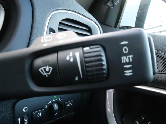 T3 クラシックエディション 認定中古車 1オーナー 禁煙車 パノラマガラスルーフ 黒本革シート 純正HDDナビTV インテリセーフ バックカメラ シートヒーター メモリ機能付パワーシート 純正17インチAW LEDヘッドライト(47枚目)