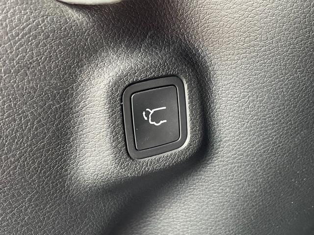 リミテッド 弊社元デモカー 純正ナビゲーション Bluetooth AppleCarplay レザーシート サンルーフ パワーリフトゲート 新車保証継承(11枚目)