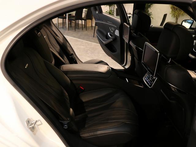 S63 AMG 4マチックロング AMGダイナミックPKG ファーストクラスPKG V8ツインターボ パノラマSR 黒革 全席シートヒーター&ベンチレーター HDDナビ Burmester リアエンター 全周カメラ&ナイトビューHUD RSP 純正20AW(17枚目)