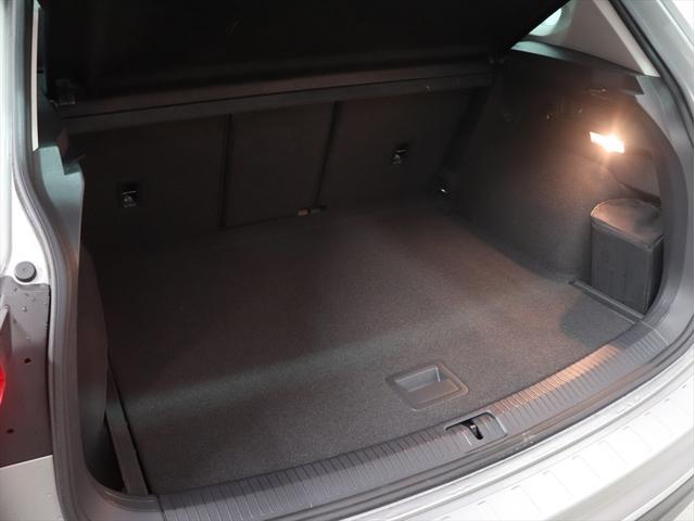 フォルクスワーゲン VW ティグアン TSI ハイライン テクノロジー DCC ナビ 新車保証