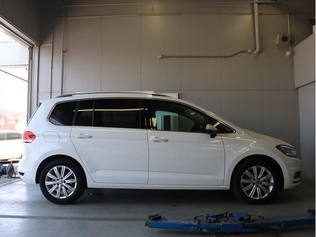 TDI ハイライン 試乗車ナビ テクノロジーPKG 新車保証(4枚目)