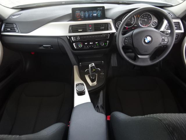 BMW BMW 318iツーリング LED クルコン 衝突軽減 Rカメラ禁煙