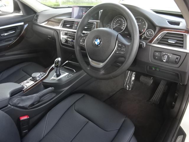 BMW BMW 320d ラグジュアリー 黒革 衝突軽減 LED ACC禁煙