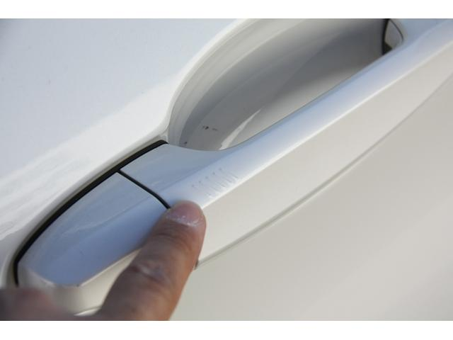 218dアクティブツアラー ラグジュアリー 後期 LEDヘッドライト ブラックレザー シートヒーター メモリー機能付き電動シート HDDナビ バックカメラ 自動縦列駐車アシストコンフォートパッケージ 電動リアゲート 禁煙車(9枚目)