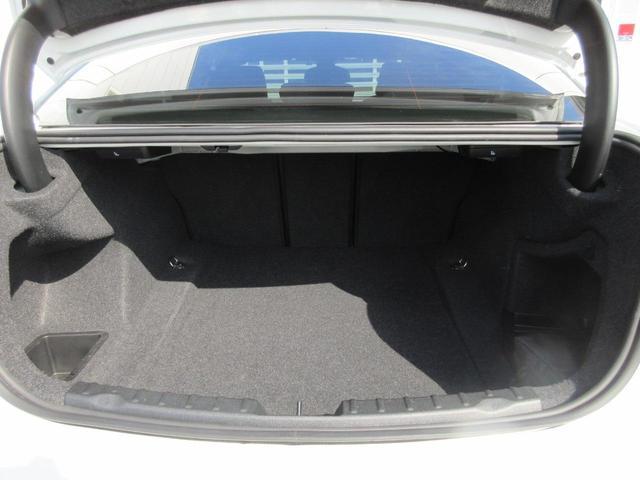 320d Mスポーツ Mスポーツ アクティブクルーズコントロール ドライビングアシスト LEDヘッドライト 19インチアルミホイール LEDヘッドライト ブラックキドニーグリル リアビューカメラ パドルシフト ETC 禁煙(25枚目)