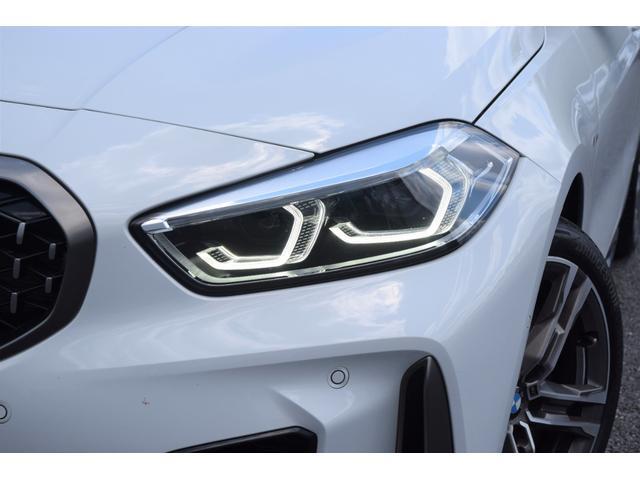 M135i xDrive 元弊社試乗車 純正ナビ ミラーETC 被害軽減ブレーキ 車線逸脱・変更警告 シートヒーター 電動シート ACC バックカメラ 前後障害物センサー コンフォートA 電動トランクゲート LEDヘッドライト(23枚目)