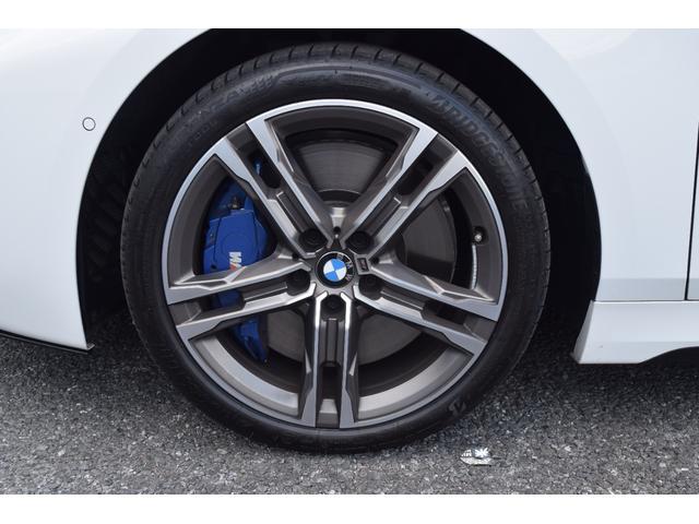 M135i xDrive 元弊社試乗車 純正ナビ ミラーETC 被害軽減ブレーキ 車線逸脱・変更警告 シートヒーター 電動シート ACC バックカメラ 前後障害物センサー コンフォートA 電動トランクゲート LEDヘッドライト(32枚目)