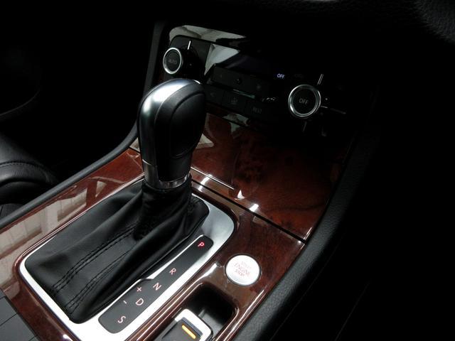 V6アップグレードパッケージ黒革ウッド調360カメ(10枚目)