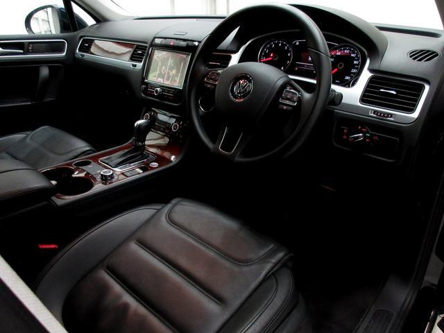 V6アップグレードパッケージ黒革ウッド調360カメ(12枚目)