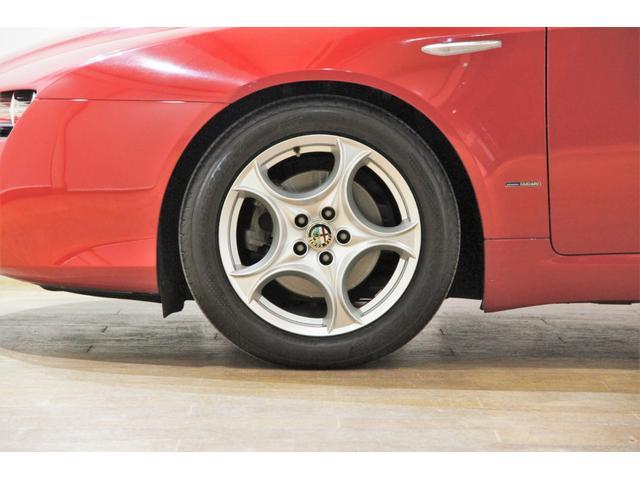 駆動輪スリップを防ぐASR(アンチスリップ・レギュレーション)は標準装備で、安全面もしっかりです。