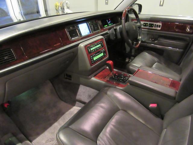 トヨタ センチュリー 標準仕様車